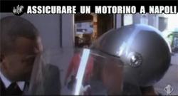 Assicurare un Motorino a Napoli, video Iene 29/03/2012
